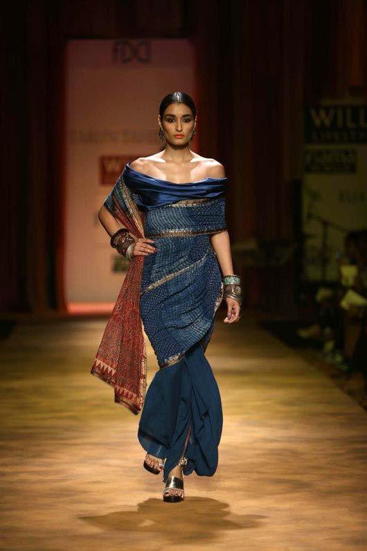 2014 Blouse Designs for sari    saree blouse design