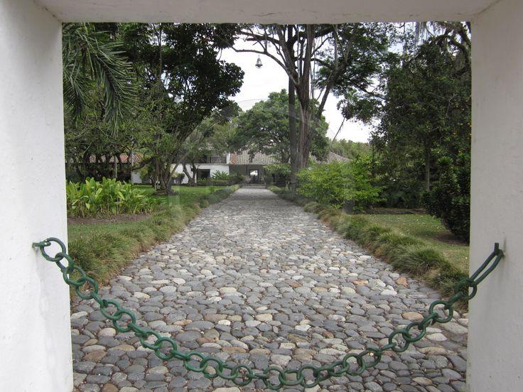 Hacienda Piedechinche - Entrada a la casa colonial