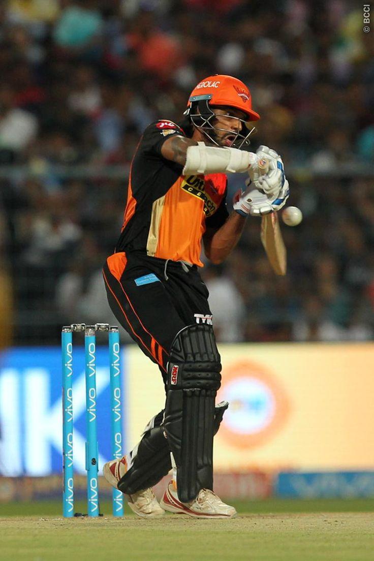 Shikhar Dhawan के शॉट से हुआ मैच में डेढ़ लाख का नुकसान