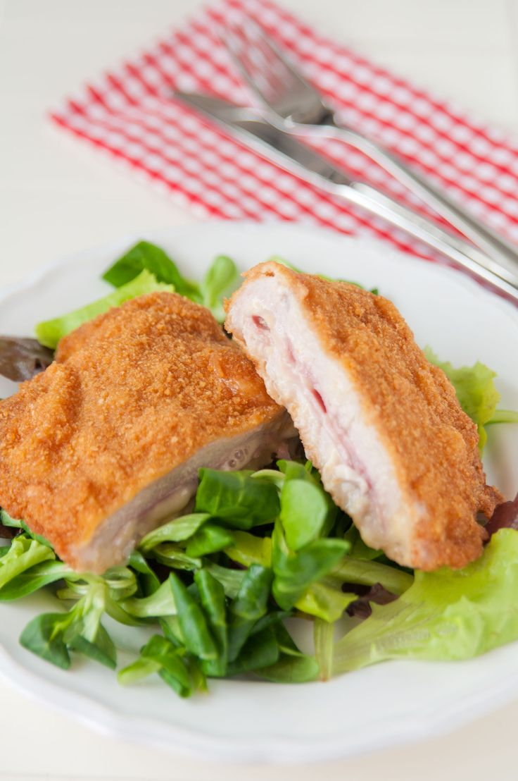 Low-Calorie Classic: Baked Chicken Cordon Bleu