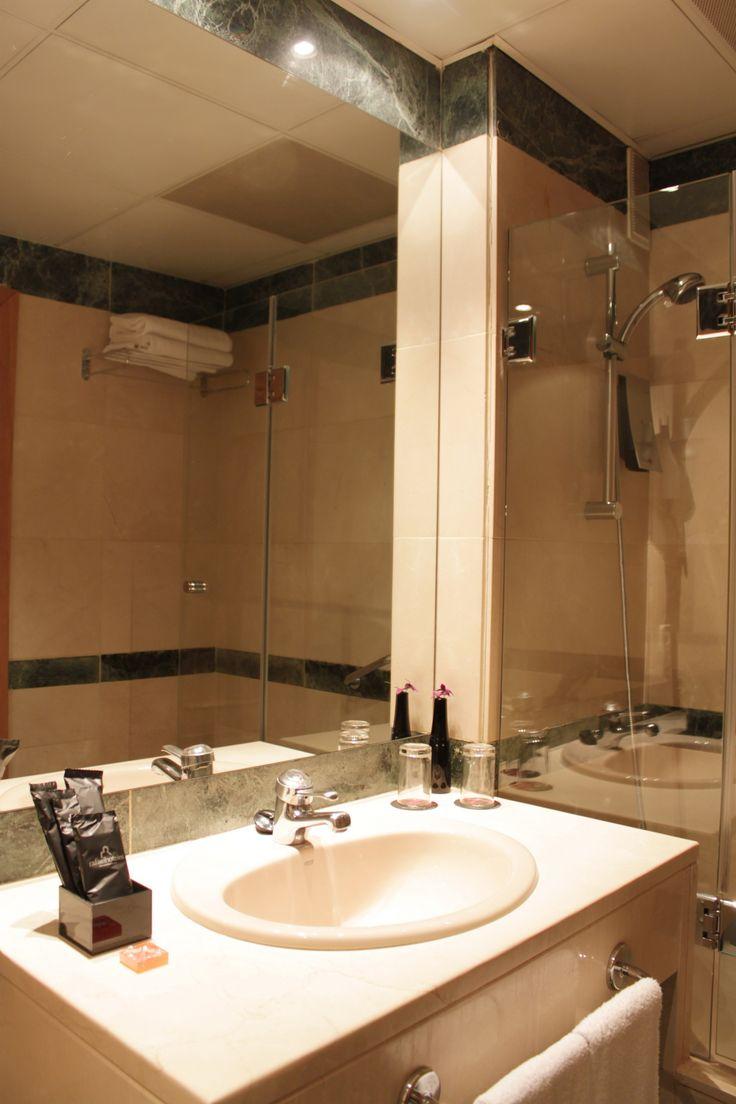 Baño habitación doble - Holiday Inn Madrid-Pirámides