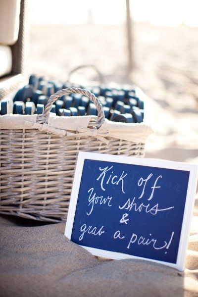 flip flop guest favors for your beach wedding Beach wedding inspiration | Getting Hitched?