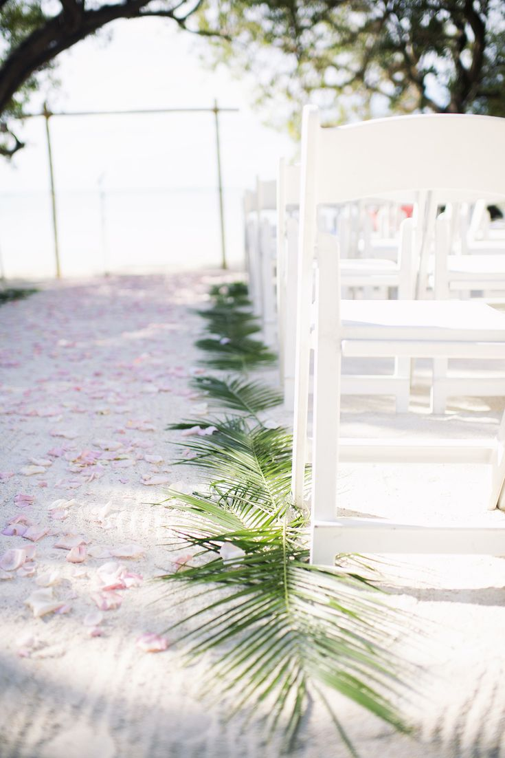 beach wedding at the Hilton Key Largo Resort, Florida Keys / photo by rubberbootsphotography.com