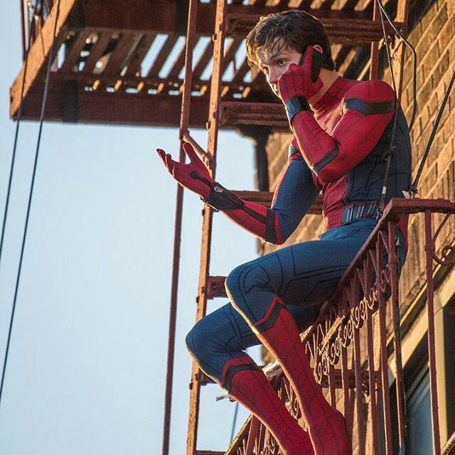 IM SO EXCITED FOR SPIDER-MAN HOMECOMING!!!