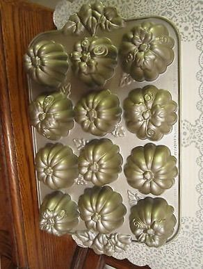 351 Best Cake Cookie And Jello Molds Images On Pinterest