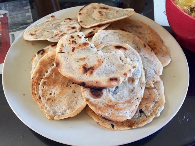 Idéal pour les trempettes de l'apéritif (Houmous (Hoummous), Guacamole, Baba Ganousch, Tartinades, etc.. Vous pouvez varier les farines, châtaigne, pois chiche ou Sarrasin, n'hésitez pa…