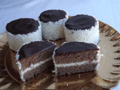 Ez volt az egyik ünnepi süteményünk, amit már nagyon régen terveztem újra elkészíteni, és most végre sikerült is. :) Gyerekkori sü...