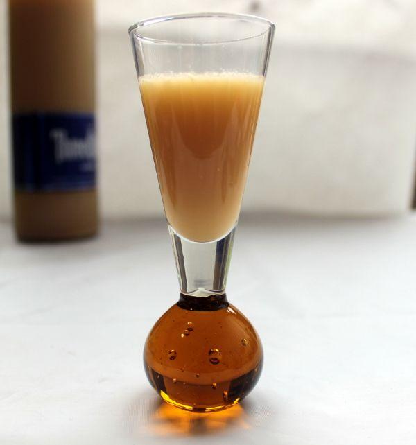 Salted Caramel Infused Vodka: 20 Caramels, 1 bottle (750 ml) Vodka, healthy pinch of salt