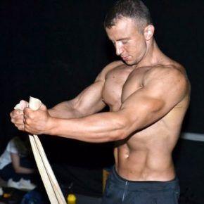 Бодибилдинг, фитнес, упражнения для пресса, с гантелями, для грудных мышц, на бицепс, на трицепс, аэробные упражнения, как накачать мышцы, как сбросить лишний вес, как набрать массу, упражнения с гантелями, накачать пресс, силовые упражнения, накачать мышцы, накачать ноги, тренажерный зал, coolmassa.com , упражнения на массу, сайт о бобибилдинге