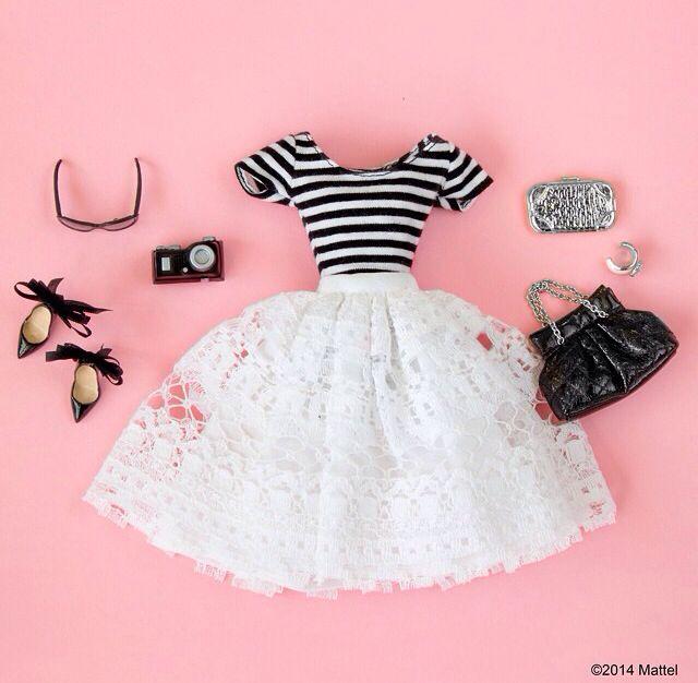 Falda + blusa negra = perfect