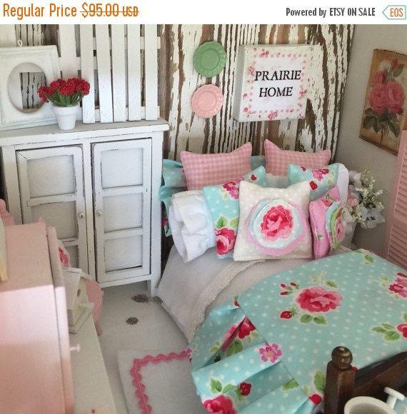 Sur vente Prairie Cottage Style literie Aqua et lit -1:12 maison de poupée Miniature