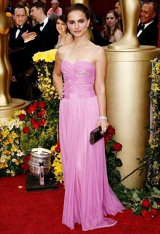 Natalie Portman at the '09 Oscars: Natalie Portman, Formal Dresses, Celebrity Dresses, Rodart Gowns, Red Carpet Fashion, Academy Awards, Best Oscar Dresses, Red Carpet Dresses, Pink Gowns