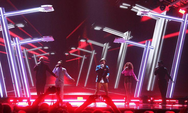 """Australien - Guy Sebastian mit """"Tonight Again"""" (KURIER/Franz Gruber) Mehr Bilder vom #ESC Finale finden Sie auf http://kurier.at/songcontest."""