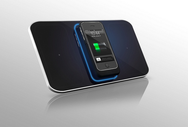 Wireless Charging iPhone 3 - Wireless Charging charge pad, inductive charger.