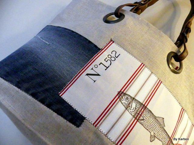 Voici ce que je viens d'ajouter dans ma boutique #etsy: sac cabas reversible en lin avec poisson http://etsy.me/2CRAZ2o #sacsetpochettes #beige #anniversaire #fetedesmeres #rouge #cabas #sac #noir #velours