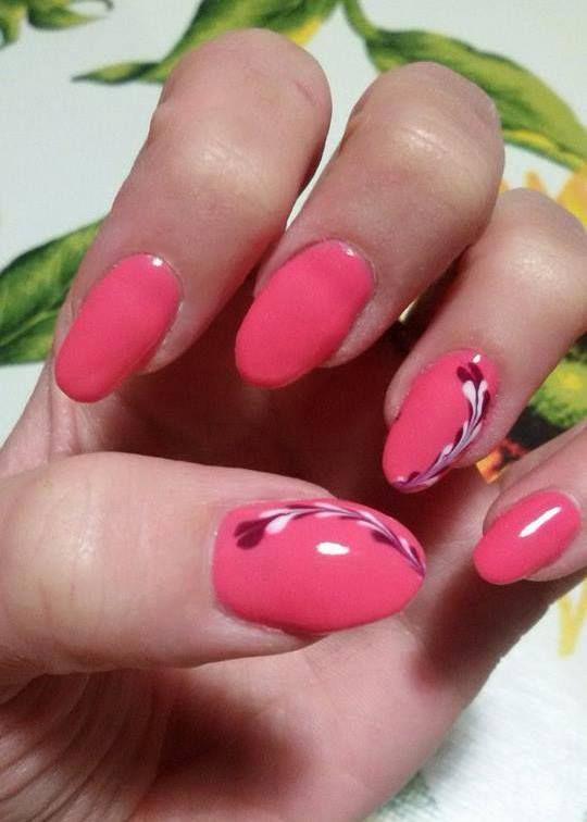 Rosa essenza #Estrosa con decoro bianco e polvere per la #nailart di Noemi Falcone