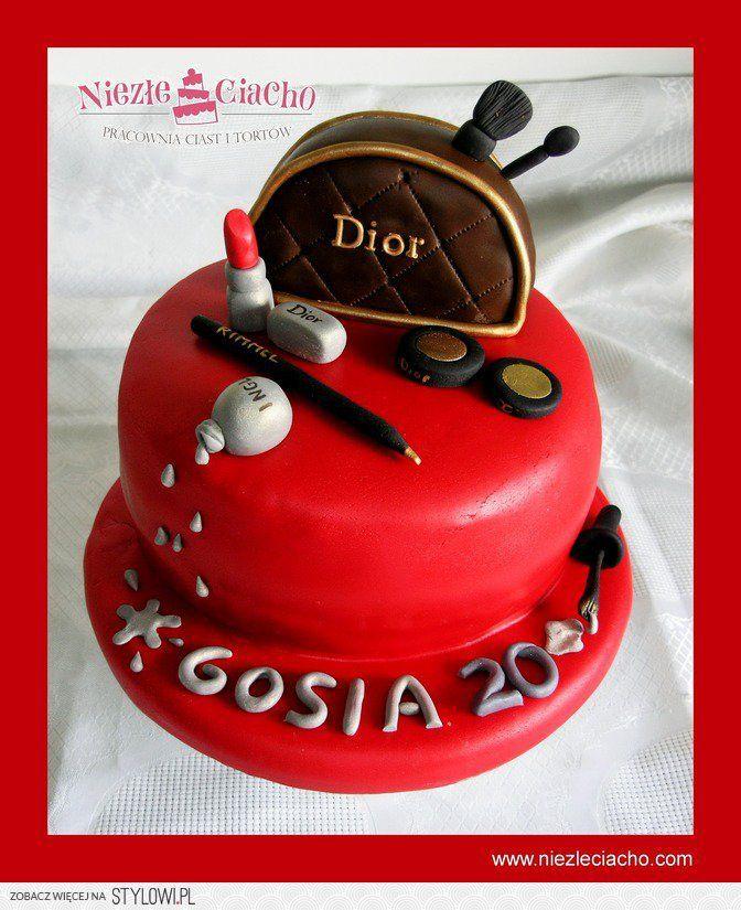 Kosmetyki, kosmetyczka, kosmetologia, tort dla kosmetyczki, tosrt dla kobiety, tort dla miłośniczki kosemtyków, tort urodzinowy, torty dla dorosłych, tort dla dziewczyny
