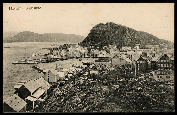 AALESUND - Havnen oversiktsbilde utg Alb. Gjörtz 1908