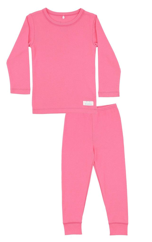 Spoil your little one with this cosy and super soft pyjamas in 100% organic cotton in a beautiful pink. All SNORK nightwear is made with pure, organic cotton which assures you of a natural product without harmful chemicals. Our clothes are also perfect as relaxing homewear when the weekend invites you to slow things down and take it easy. Material: 100% organic cotton