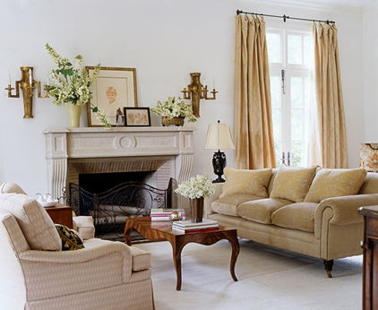 Curtain design.   traditional living room by Mary Evelyn Interiors