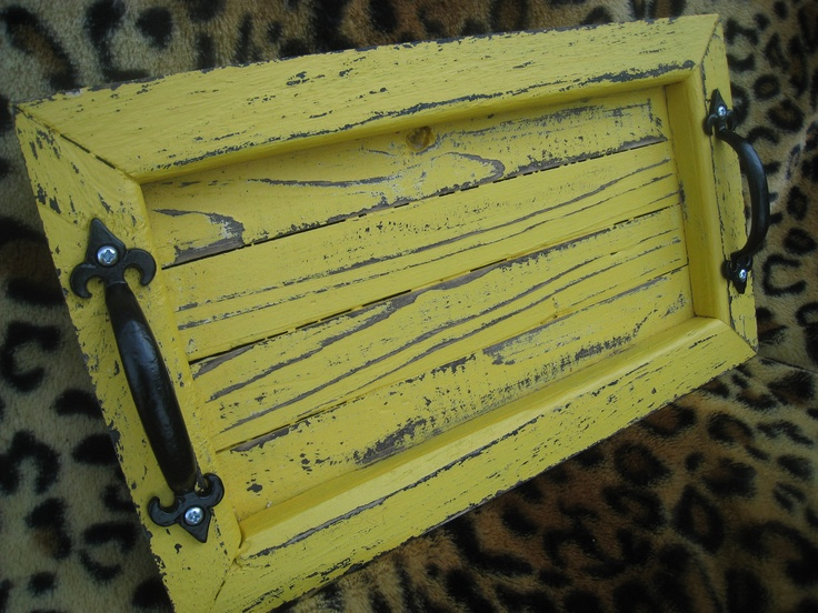 Decorative / Serving Tray: Doors Handles, Service Serving Trays, Crafty Time, Outdoor Furniture, Doo Lists, Feelings Crafty, Pallets Ideas, Cupboards Reuse, Decor Accessories