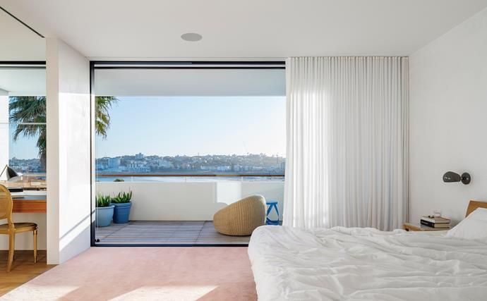 The main bedroom is a serene retreat. Photo: Justin Alexander | Story: Belle