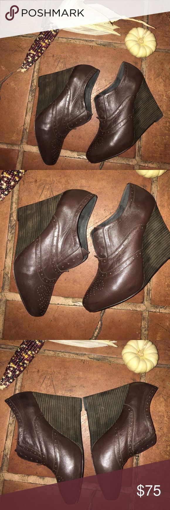 Joie Brown Leather Oxford Wedges size 39 EUC Joie Brown Leather Hello Goodbye Oxford Wedges size 39 Joie Shoes Wedges