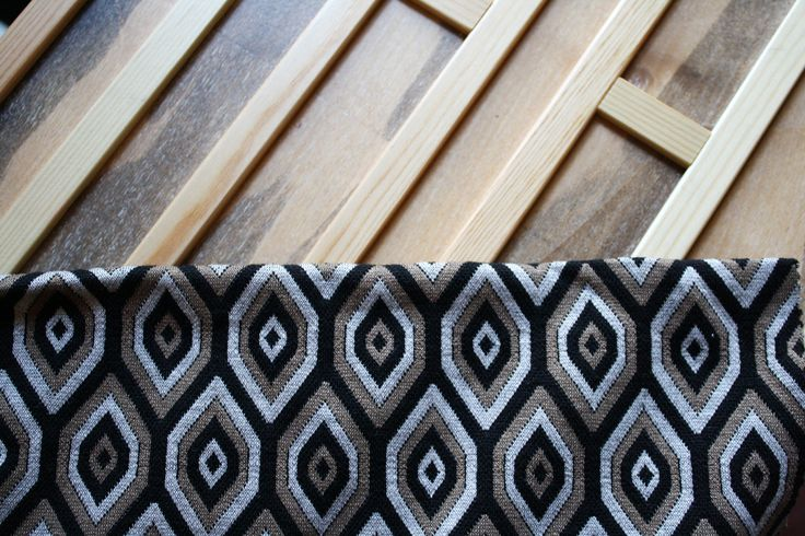 The modular repetition of bi-dimensional patterns. Abstract or geometric, the theme is perfect for skirts and jackets