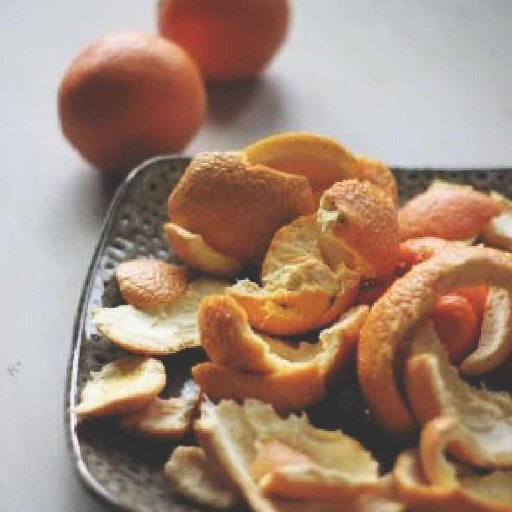 Fall-time scent: Boil orange peels & 1/2 tbs. of cinnamon.
