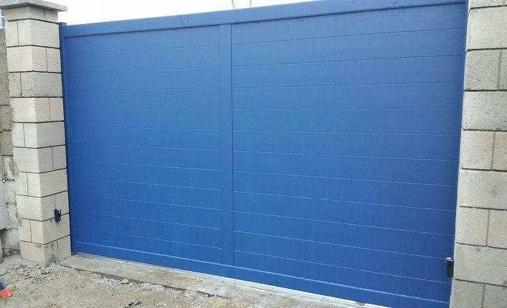 Les 72 meilleures images du tableau portail aluminium sur pinterest garage oise et portail - Pose portail coulissant motorise ...