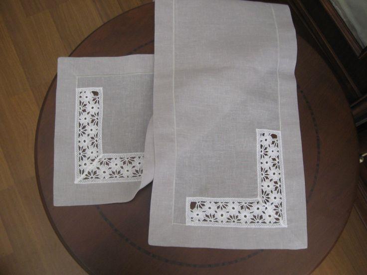 linen & lacework table runner