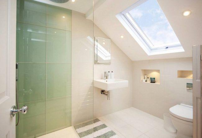 die besten 25 bad mit dachschr ge ideen auf pinterest badideen f r dachschr gen toiletten. Black Bedroom Furniture Sets. Home Design Ideas
