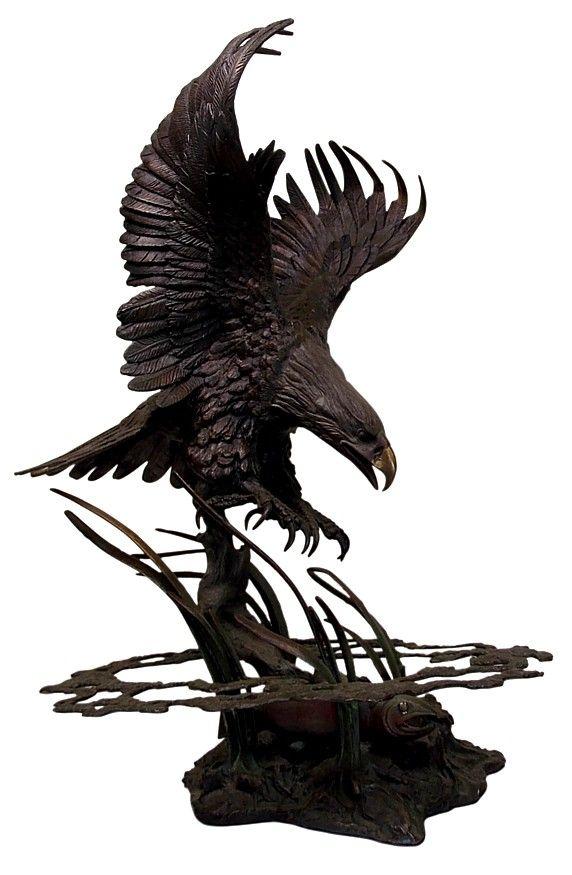 бронзовая скульптура Орел на охоте, сер. ХХ в.