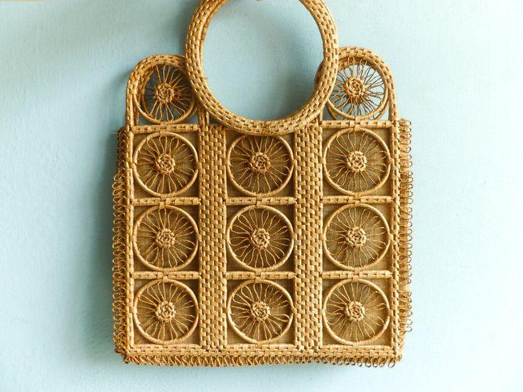 Bag borsa vintage paglia tote / lino di legno paglia / handmade tessuto / estate spiaggia pic-nic / folk rustico / hippie boho bohemian / anni 70 di moonandsoda su Etsy https://www.etsy.com/it/listing/385043870/bag-borsa-vintage-paglia-tote-lino-di