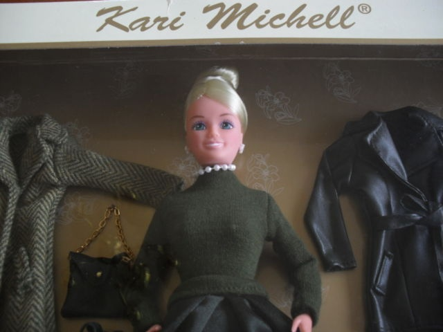 Kari michell designer 39 s choice fashion doll with 4 outfits for Designers choice