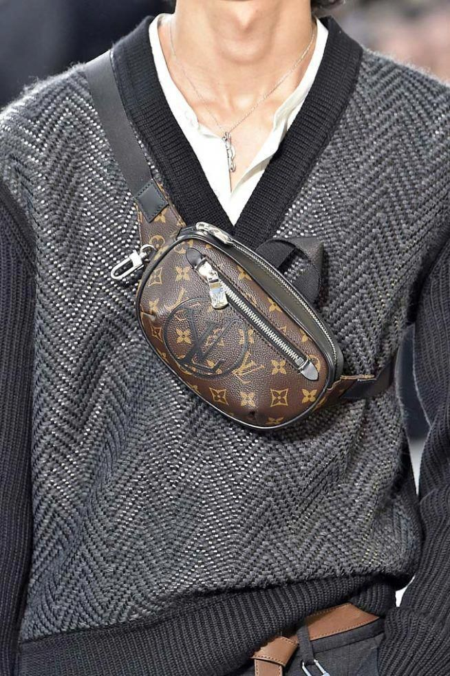 d6f3133b09c Louis Vuitton Paris Menswear Fall Winter 2017 January 2017  #Louisvuittonhandbags
