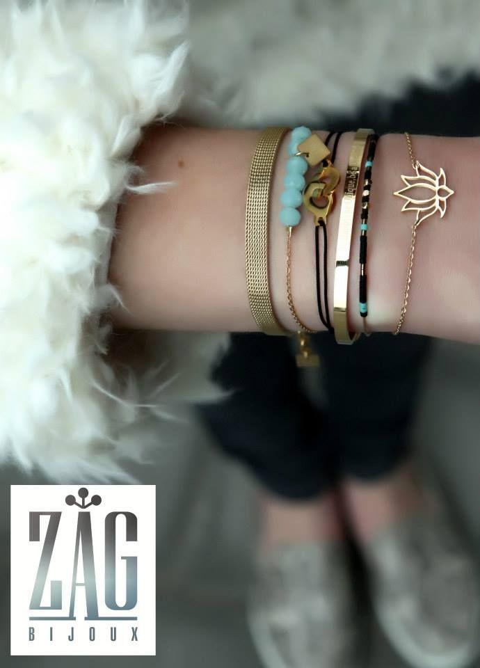 Sinds 2013 verkopen wij ook het fijne sieraden merk ZAG Bijoux uit Parijs. In zilver - rosé en geelgoud zeer dunne oorbellen en fijne armbandjes en spangen, afgewerkt met of zonder een edelsteen. Helemaal van nu en betaalbaar. Door het lichte, dunne materiaal, zijn de sieraden van Zag Bijoux heerlijk te dragen, tijdens de zomerdagen.