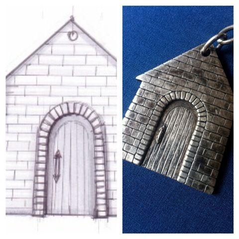 E per festeggiare la casa nuova.... portachiavi personalizzato con la facciata reale!  In argento brunito.
