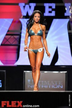 If you're getting ready for a bikini competition, check out our Top 10 Show tips that will make your prep a lot easier! #npc #wbff #bikini Body inspiration