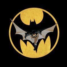 Camiseta chica Batman cómic. Cenital