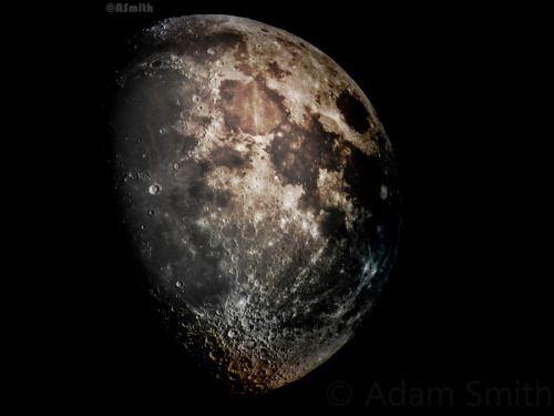 High-contrast moon 73.4% full js http://ift.tt/1hNbsMI