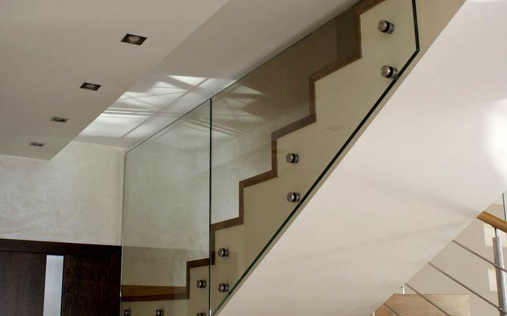 Znalezione obrazy dla zapytania szklane balustrady