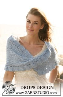 """Moebius DROPS shawl with textured pattern in """"Alpaca"""" and """"Kid-Silk"""". Size S - XXXL. ~ DROPS Design"""