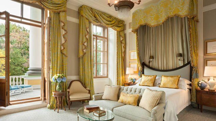 St. Petersburg Luxury Hotel Photos & Videos | Four Seasons Hotel