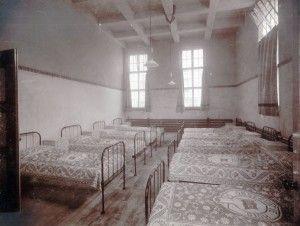 Slaapzaal Observatiehuis, HvO, 1914. Foto: Willy Zimmerman