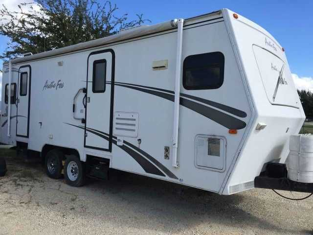 2005 Used Northwood Mfg Arctic Fox 26X Travel Trailer in Texas TX.Recreational Vehicle, rv, 2005 Northwood Mfg Arctic Fox 26X, 2005 Arctic Fox 26X, Good Condition, one owner, non-smoker. Includes trailer hitch with weight distribution bars and sway control arm. Central/Ducted A/C Furnace Refrigerator Microwave Oven. Water Heater 10 Gallon Gas/Elec. w/DSI AM/FM Cassette Stereo CD Player (Multiple) Stabilizer Jacks (Crank Down) Awning Diamond Shield LPG Gas/Smoke Detector Outside Shower Power…