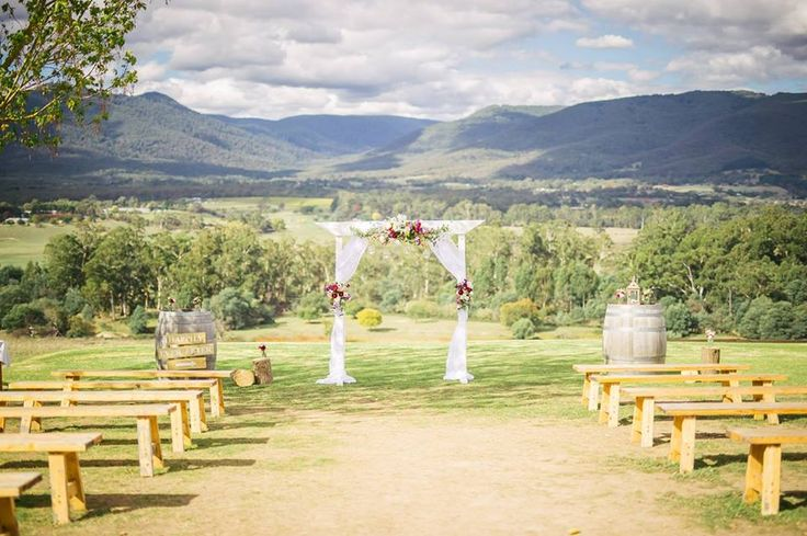 Why vintage weddings are here to stay!