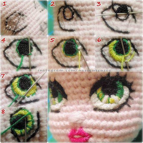 Merhabalar☺ İki renk göz işlemesinin yapım aşamaları.. Göz işleme tekniğimi daha önce paylaşmıştım, bu gönderimdeki işleme tekniği de aynı aslında. Şöyle ki; teğel dikişi şeklinde dış hatları çalışıp daha sonra bu dikişlerden girerek kesintisiz bir dikiş oluşturup sonra da örgüye batmadan, sadece bu dikişlerin içlerinden geçerek dolgu yapıyoruz.. Mavi pantolonlu bebek tarifimin 3. sayfası olan göz işleme paylaşımımda fotoğraflar ve aynı zamanda anlatım da mevcut. Önce o göz işleme tarifimi…