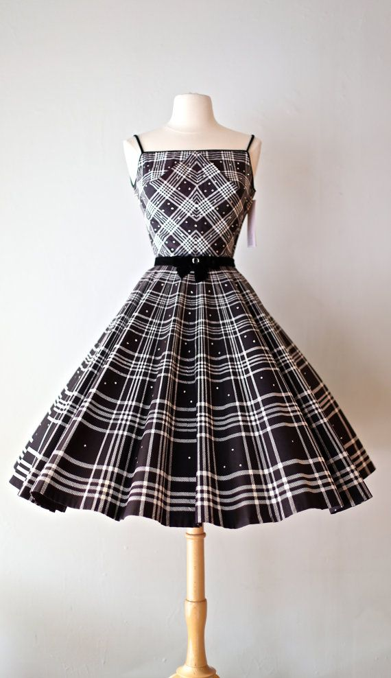 Amazing 1950's Vintage Plaid Party Dress ♦ Love how all the plaid-patterned seams are matched up perfectly