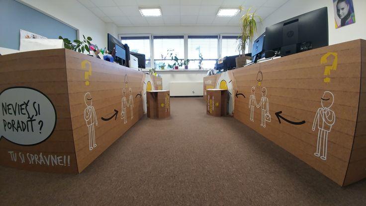 Dekorácie stolov v kancelárii